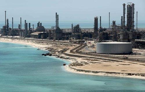 Lợi nhuận Saudi Aramco giảm 12%. Hãng vẫn kiếm nhiều tiền hơn bất kỳ công ty nào