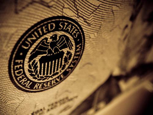 Các nhà hoạch định chính sách Fed kêu gọi hỗ trợ tài khóa để cứu nền kinh tế Hoa Kỳ