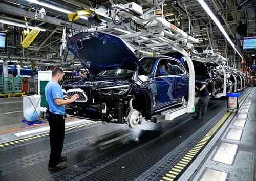 Hoạt động sản xuất của Mỹ phục hồi trong tháng Một