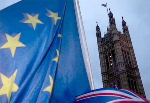 Một ngàn tỷ USD đang rời bỏ nước Anh vì Brexit