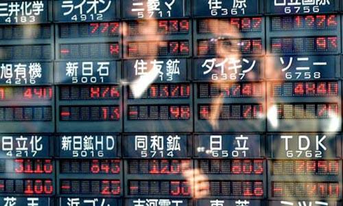 Cổ phiếu châu Á giảm khi ông Trump khơi lại căng thẳng thương mại Mỹ - Trung