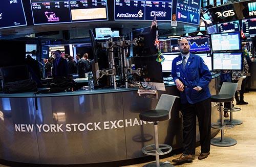 Dow, S&P 500 và Nasdaq Composite đóng cửa với các mức cao kỷ lục mới