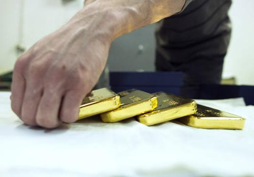 Vàng giảm 4.2% xuống mức thấp nhất kể từ tháng 3/2010 do giá Platinum giảm