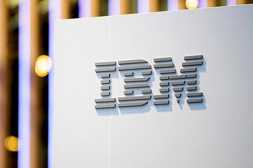 Cổ phiếu IBM tăng vọt sau khi thu nhập tốt hơn mong đợi