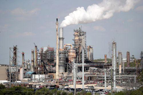 Các nhà máy lọc dầu Mỹ thật sự cần dầu Mexico