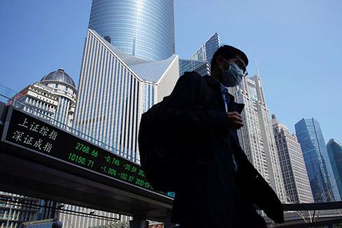 Chứng khoán châu Á có xu hướng giảm do lo ngại làn sóng virus thứ hai