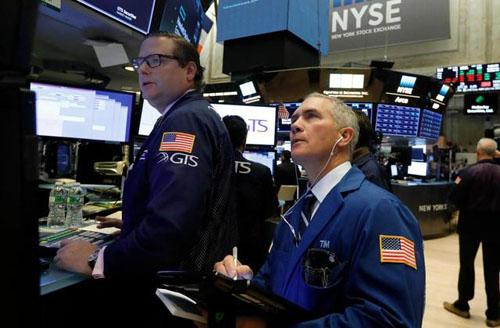 Cổ phiếu châu Á bán tháo vì chứng khoán công nghệ Wall Street lao dốc, giá dầu giảm