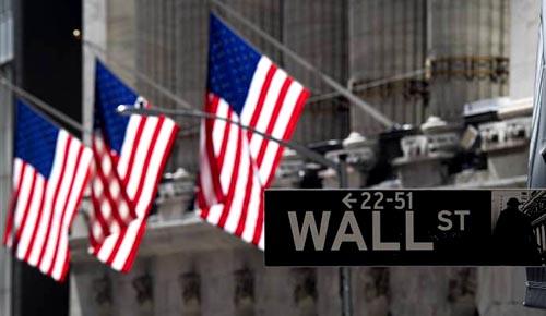 Dow lao dốc gần 500 điểm khi kinh tế Mỹ khiến các nhà đầu tư lo lắng