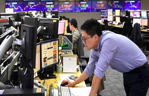 Trung Quốc bỏ hạn chế đầu tư nước ngoài trong các thị trường chứng khoán và trái phiếu