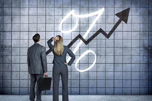 Fed, lo ngại về cuộc suy thoái tiếp theo, đang cân nhắc các thay đổi