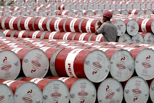 Giá dầu bình ổn khi các yếu tố cơ bản thắt chặt, nhưng Trung Quốc lại gây xáo động thị trường