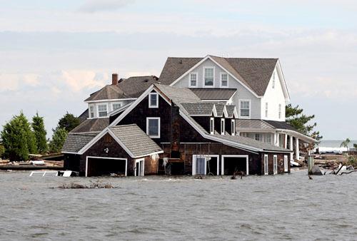Nước biển dâng đe dọa gần một ngàn tỷ USD nhà đất của Mỹ, và hầu hết chúng đều có giá vừa phải