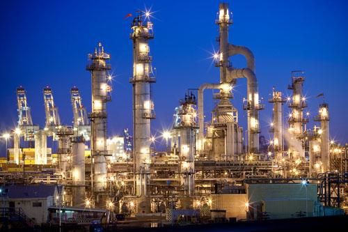 Nhà máy lọc dầu khổng lồ của Trung Quốc đe dọa làm lu mờ các ngôi sao trên thị trường dầu