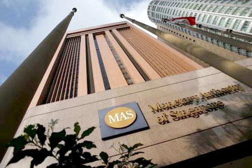 Ngân hàng trung ương Singapore thắt chặt chính sách tiền tệ lần đầu tiên trong sáu năm