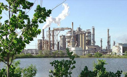 Các nhà máy lọc dầu Mỹ đang làm việc cật lực hơn bao giờ hết