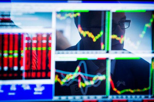 Cổ phiếu châu Á giảm sau đợt tăng, tập trung trở lại vào những điểm cơ bản