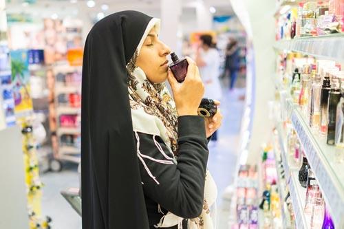 Doanh số nước hoa và mỹ phẩm tiếp tục tăng mạnh ở những nước Vùng Vịnh